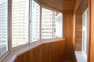 Обшивка балкона евро вагонкой