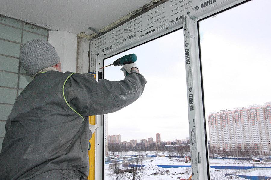 Установка металлопластикового окна на анкерные пластины